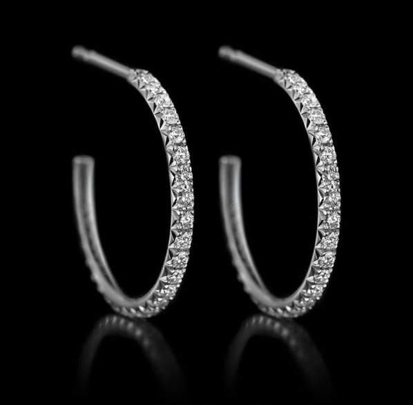 Montluc - Halo No 2. Diamond hoop earrings, set with a continuous line of perfectly selected, round cut diamonds