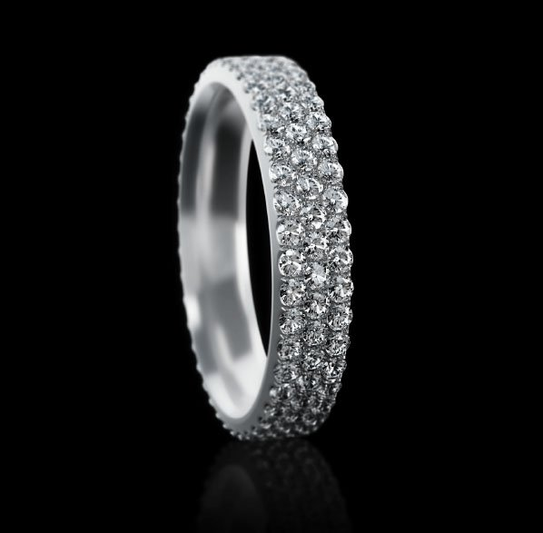 Montluc - Constellation No 3. Diamond band set with 3 rows of exceptional, round cut diamonds