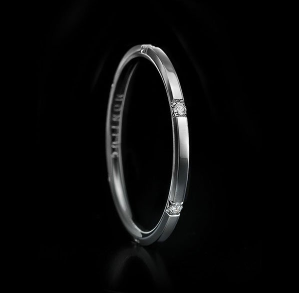 Montluc - Halo No 3 Polished. Diamond ring set with 6 perfect, brilliant cut diamonds. Seen here in polished finish.