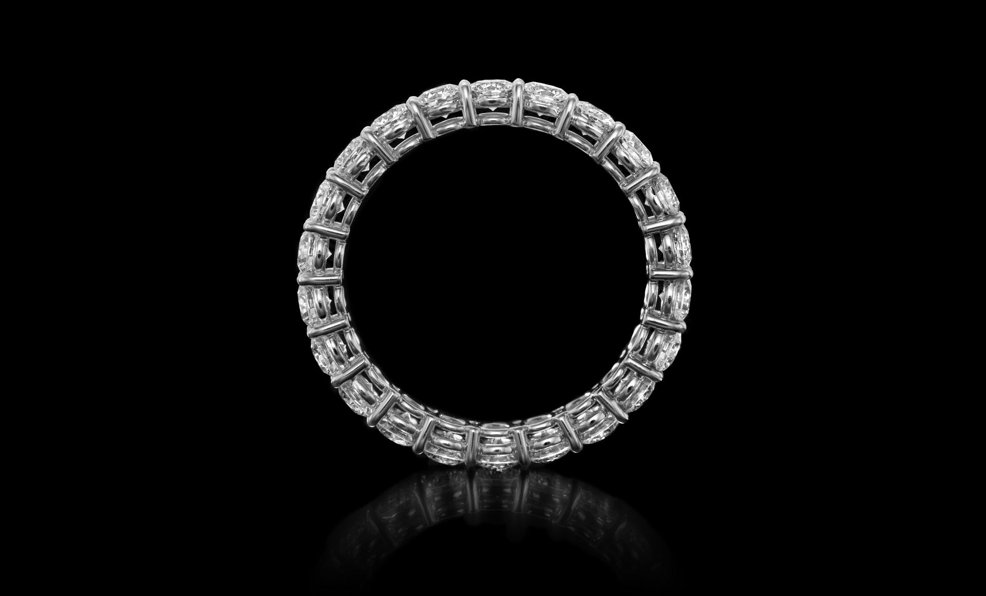 Montluc - Gravity No 1. Eternity ring full set with diamond according to the classical ever green prong setting