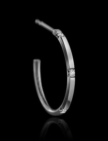 Montluc - Halo No 4. Diamond hoop earrings, each one set with 5 perfect, brilliant cut diamonds