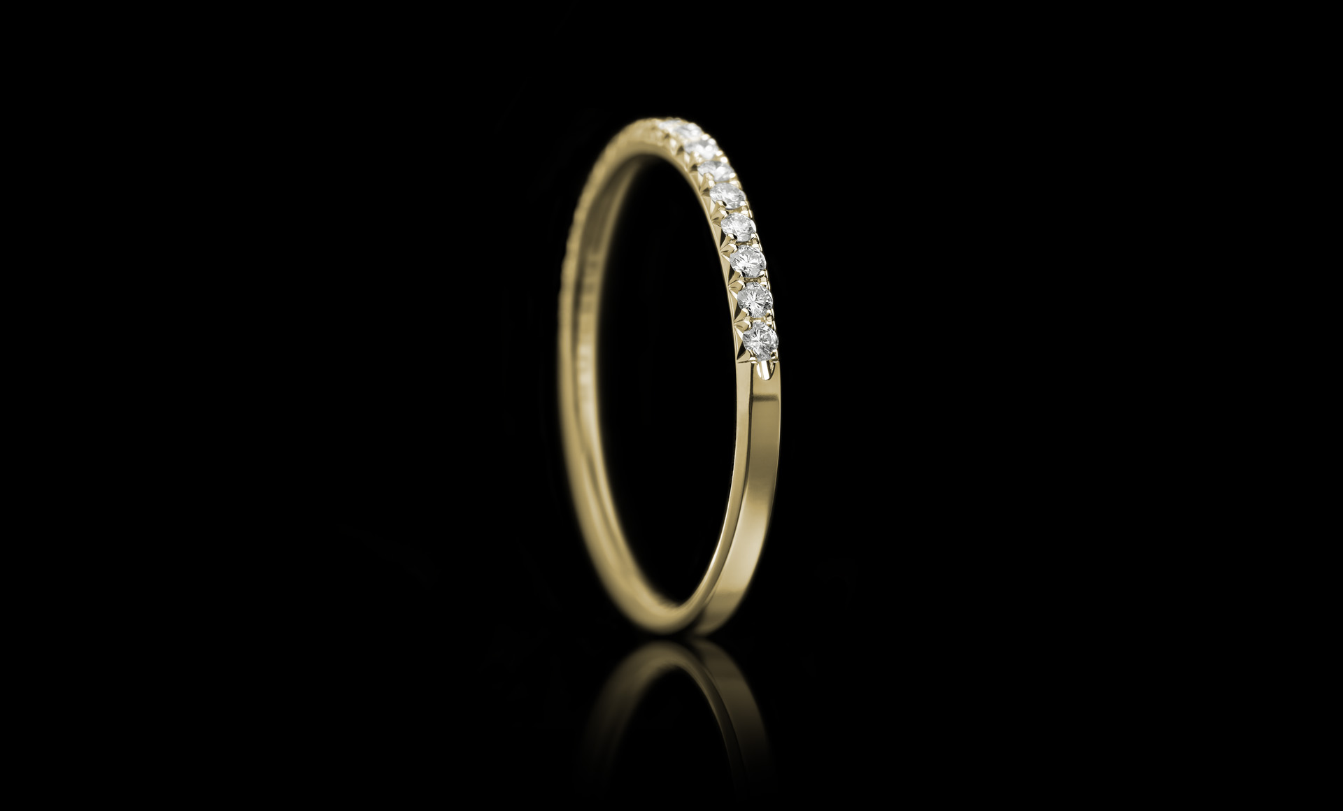 Halo No.5 diamond ring yellow gold