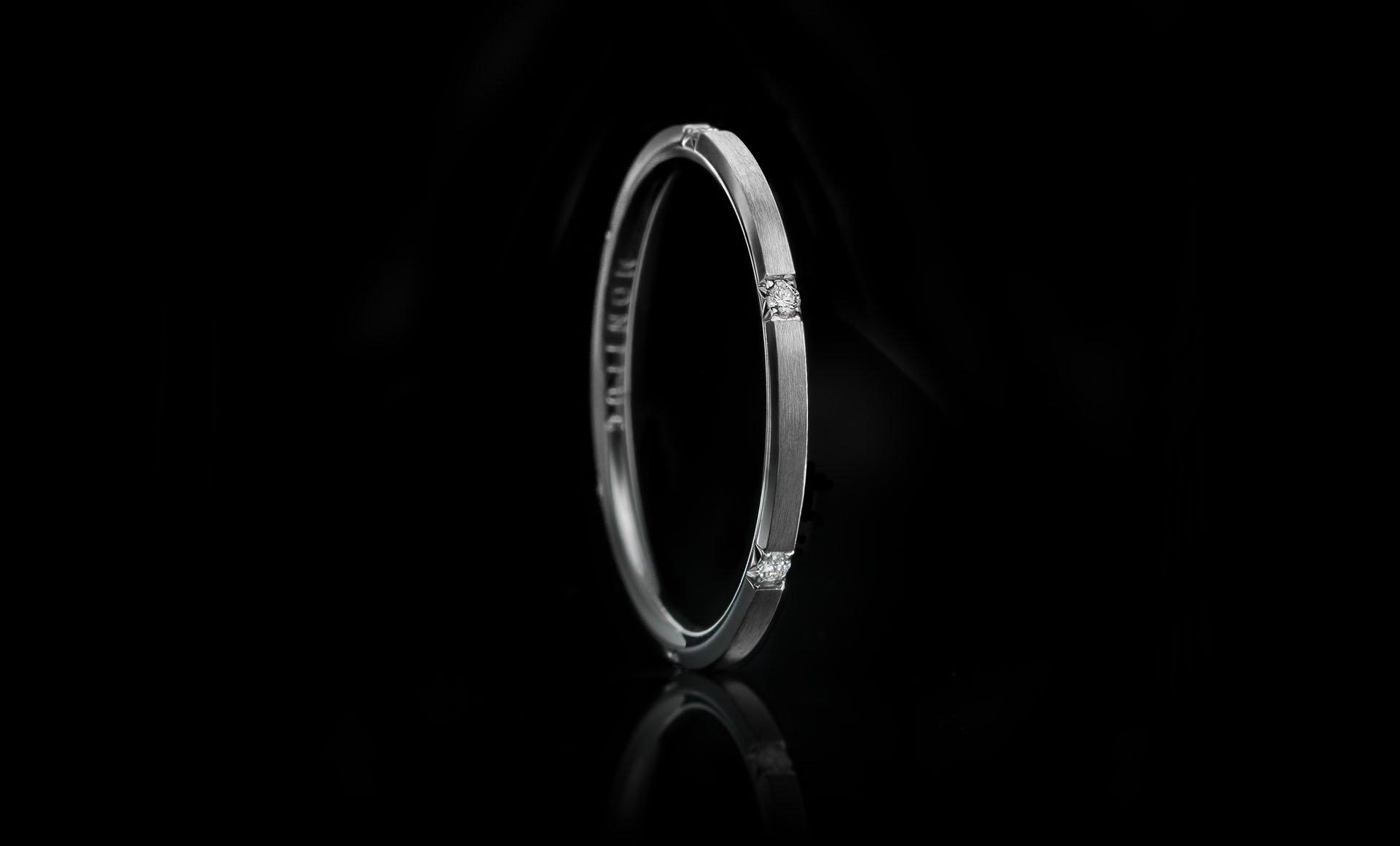 Montluc - Halo No 3 Matte. Diamond ring set with 6 perfect, brilliant cut diamonds. Matte finish.