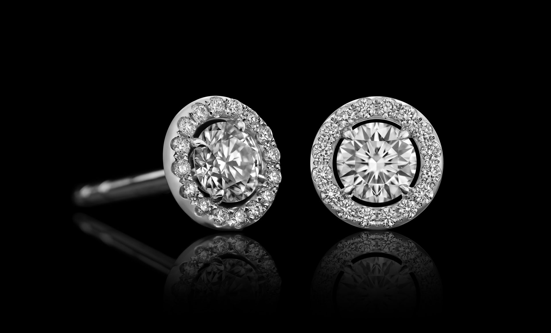 Montluc - Orbit No.2 diamond studs with center stone