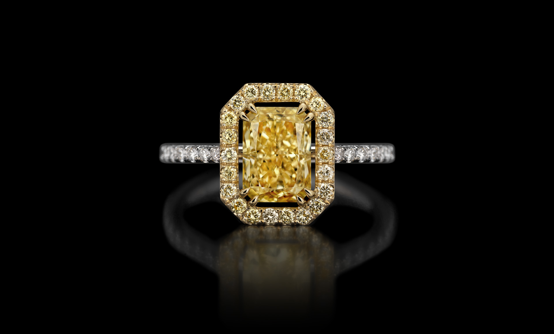 Montluc Atelier custom made solitaire diamond ring yellow gold