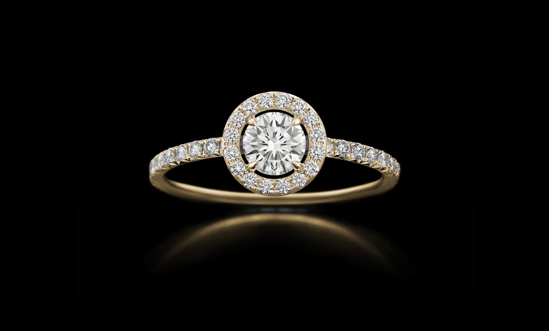 Orbit No.5 - diamond ring with centrestone yellow gold